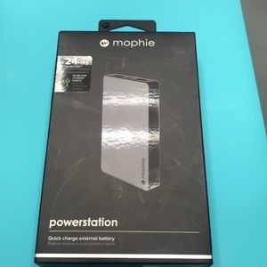 mophie - Powerstation Portable Charger